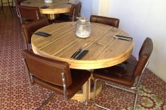 Ronde tafel steigerhout restaurant Curacao