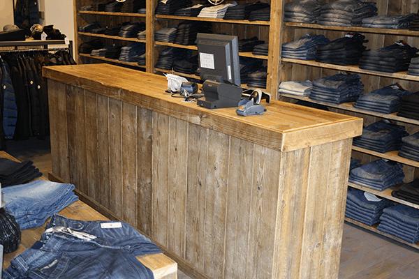 modewinkel inrichting steigerhout