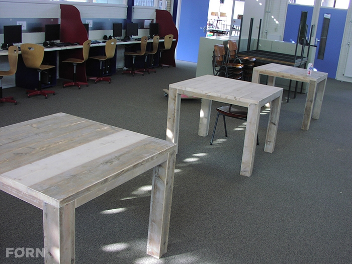 Vierkante Eettafel 90x90.Vierkante Tafel Nordhorn Van Steigerhout
