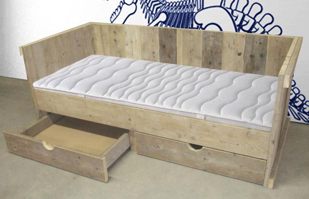 Steigerhouten kajuitbed steigerhouten kinderbedden for Bed van steigerhout maken