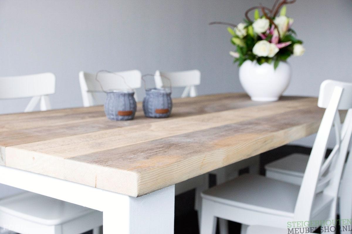 Eetkamertafel Met Bank En Stoelen : Deze landelijke steigerhouten ...