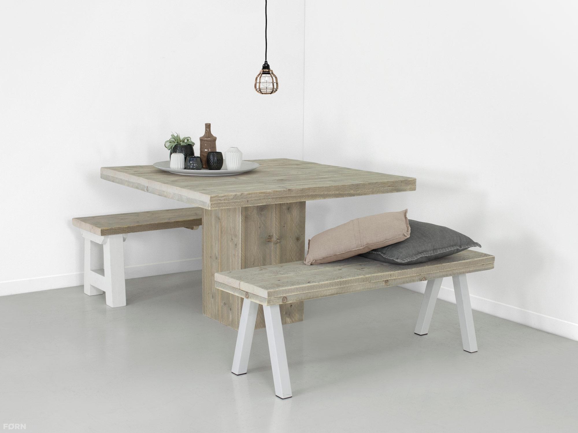 Steigerhouten tafel met kolompoot ook maatwerk f rn for Goedkope industriele eetkamerstoelen