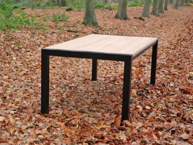eiken tafel zwart metalen onderstel