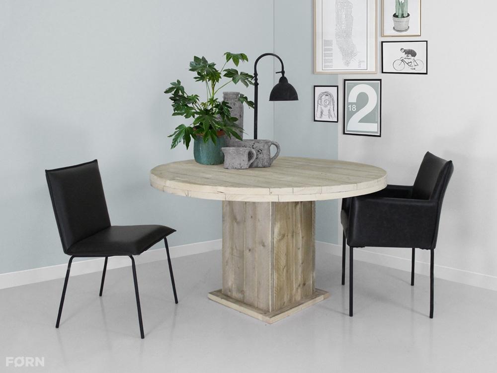 Ronde steigerhouten tafel op maat gemaakt bij fØrn!