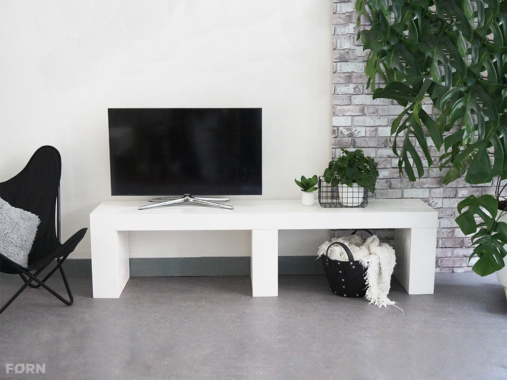 Wit houten TV meubel   TV meubels van F u00d8RN