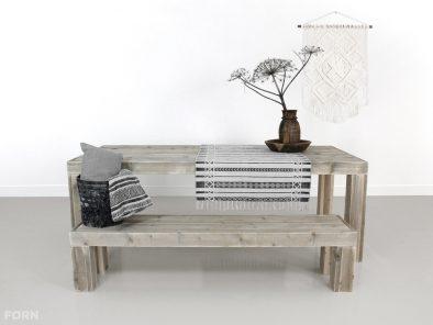 steigerhouten tafel emden