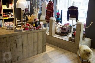 Steigerhout winkelinterieur toonbank