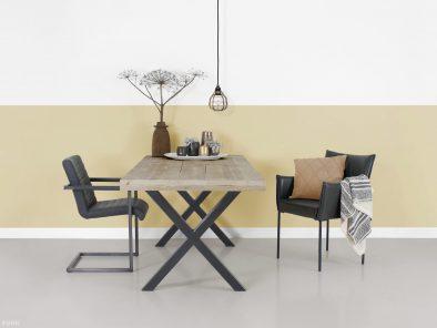 Industriele tafel Tibbe steigerhout en staal