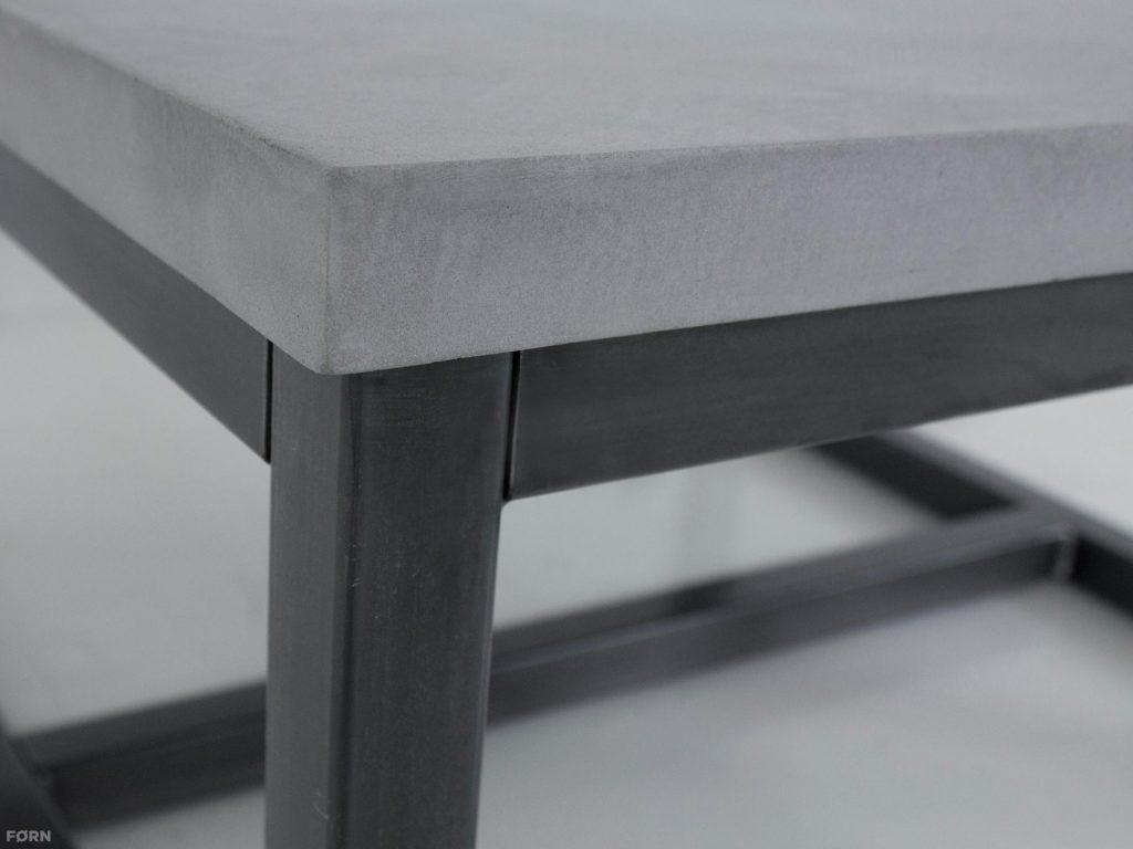 Salontafel betonlook Max met stalen onderstel detail