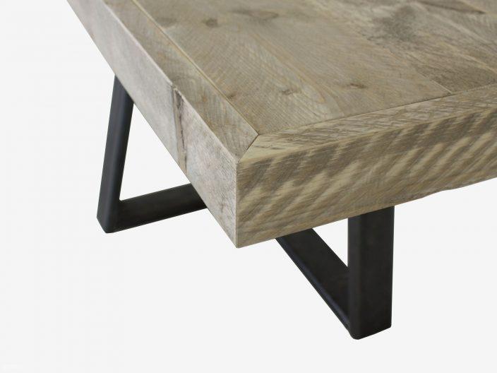 Steigerhouten tafel Halvar met stalen onderstel detail