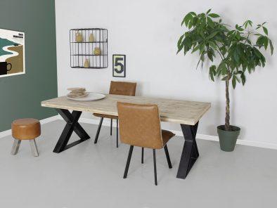 Een stoere X-poot eettafel met steigerhouten tafelblad