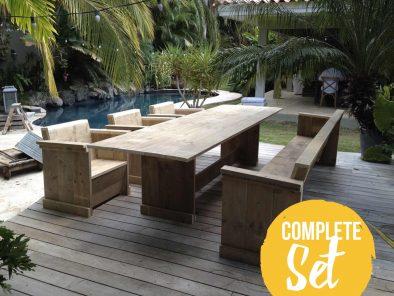 Complete tuinset van steigerhout